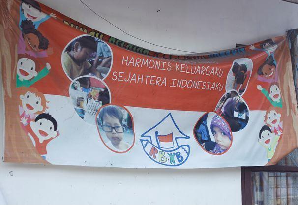 Rumah Belajar Indonesia Bangkit, Mendidik Anak-anak Kali Code