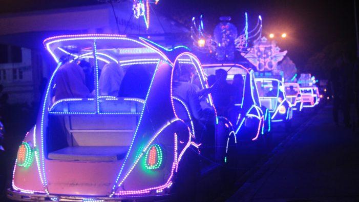 Kacaunya Parkir di Wisata Malam Alun-Alun Selatan