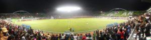 Stadion Maguwo penuh sesak pada pertandingan ulang tahun PSS dan Kabupaten Sleman pada Sabtu malam. Sumber: www.pss-sleman.co.id