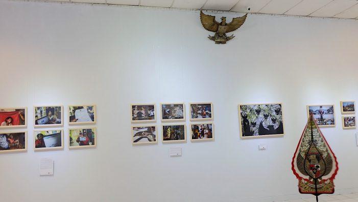 """Dari Kemiskinan hingga Sukacita dalam Pameran """"Di Mana Garuda"""""""