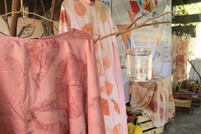 Batik Eco-print, yang Sederhana Jadi Barang Mahal