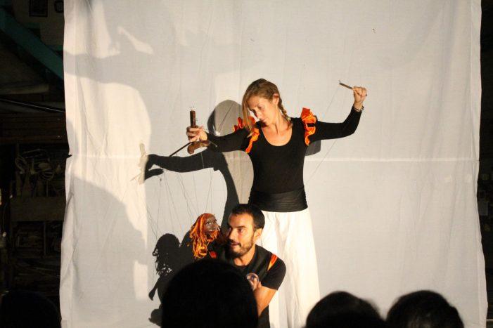 NARANJARTE: Mengajarkan Bahasa Inggris Melalui Teater Boneka dan Sirkus