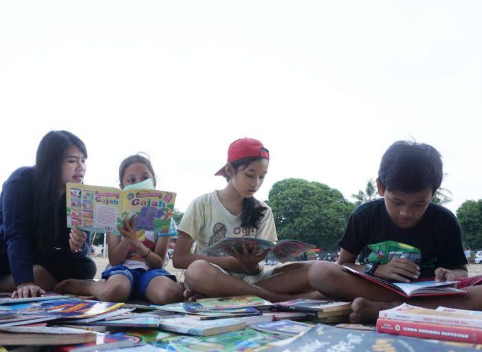 Kumpul Matahari Tingkatkan Minat Baca Anak di Alun-alun Kidul Yogyakarta