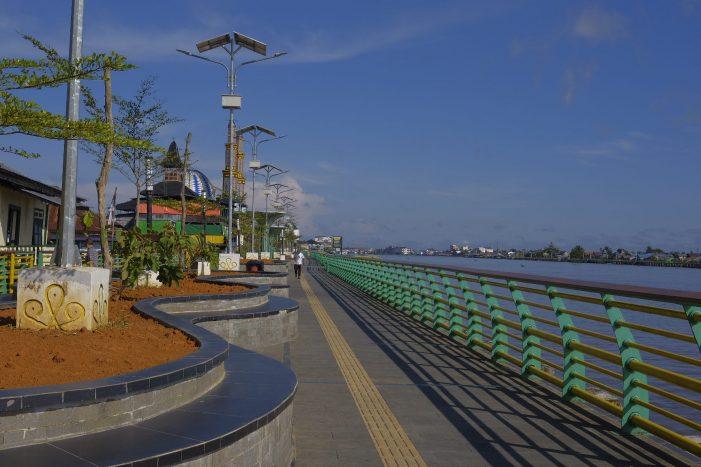 Proyek Waterfront City Pontianak: Nasib Warga Tak Seindah Bangunannya yang Megah