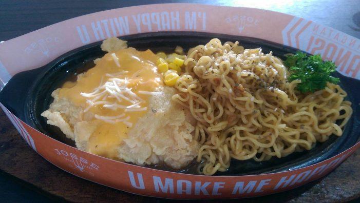 Enaknya Makan Mi Instan di Hotplate