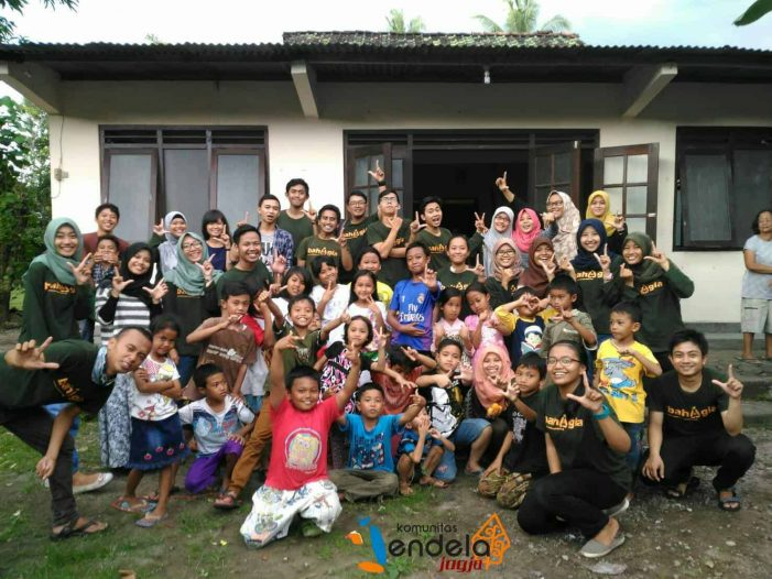 Komunitas Jendela Jogja: Dari Pengobat Trauma Bencana Sampai Mengenalkan Buku Kepada Anak-Anak