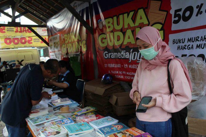 Mengintip Manis Bisnis Jasa Titip di Bazar Buku Yogyakarta
